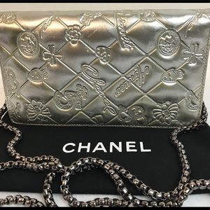 AUTHENTIC CHANEL SILVER PATENT LEATHER LONG WALLET